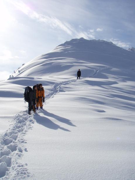 雪の山の季節が近づいてくる