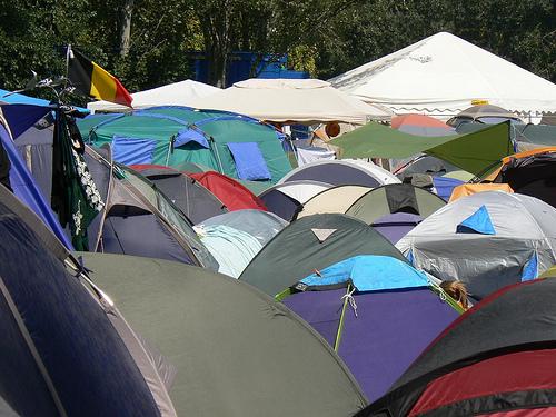 満を持してご紹介する、探検部OBがもっともエコだと思うテント。