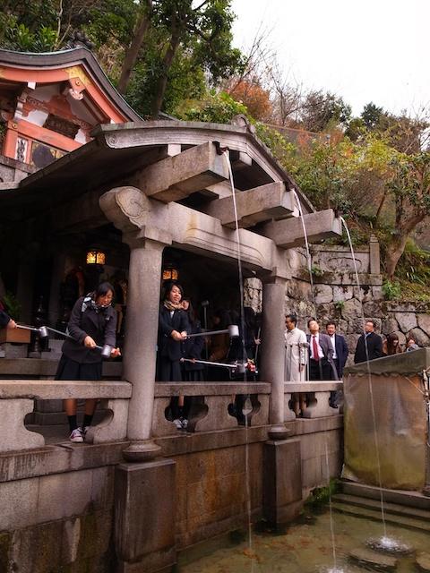 清水寺の近くに、六道の辻(冥界への入り口)があって怖かった。