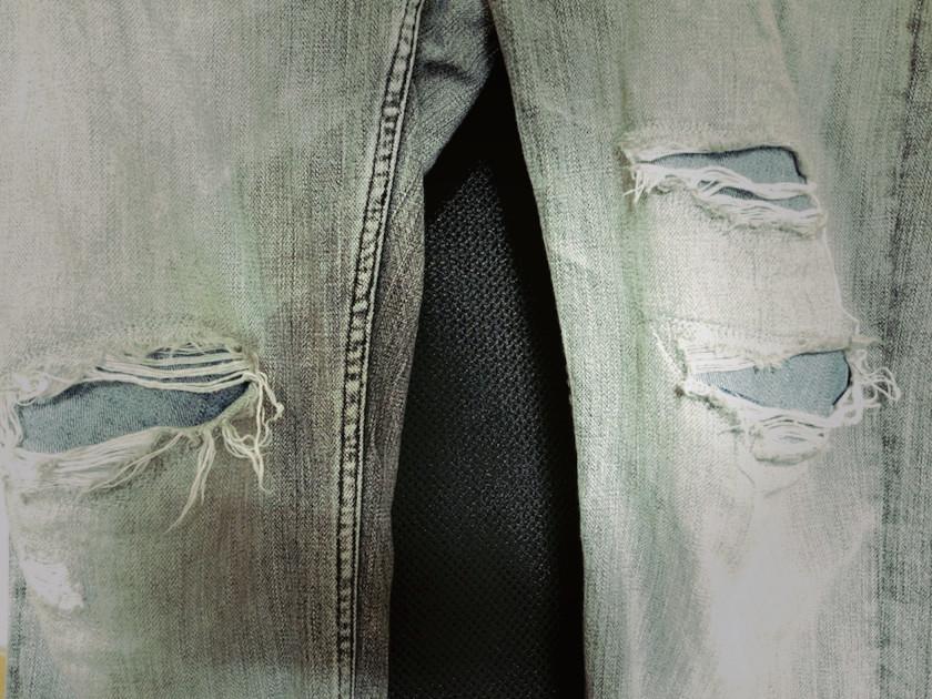 台湾で修理したジーンズ