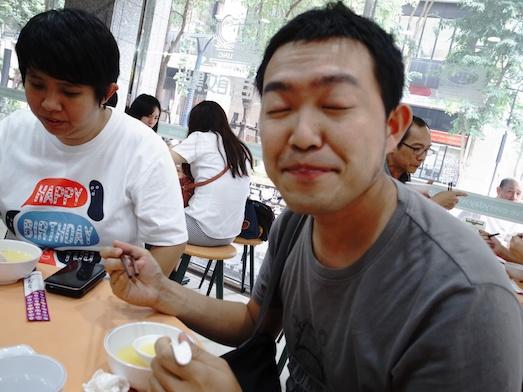 台湾の玉米粥を食べてみる。まあまあかな。